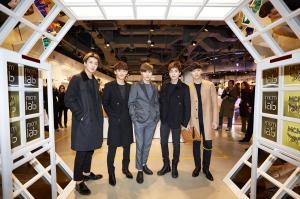 EXO (from left) - Sehun,Chen,SuHo,XiuMin, Lay